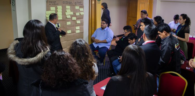 Peruvian journalists built together messages about climate change during the workshop