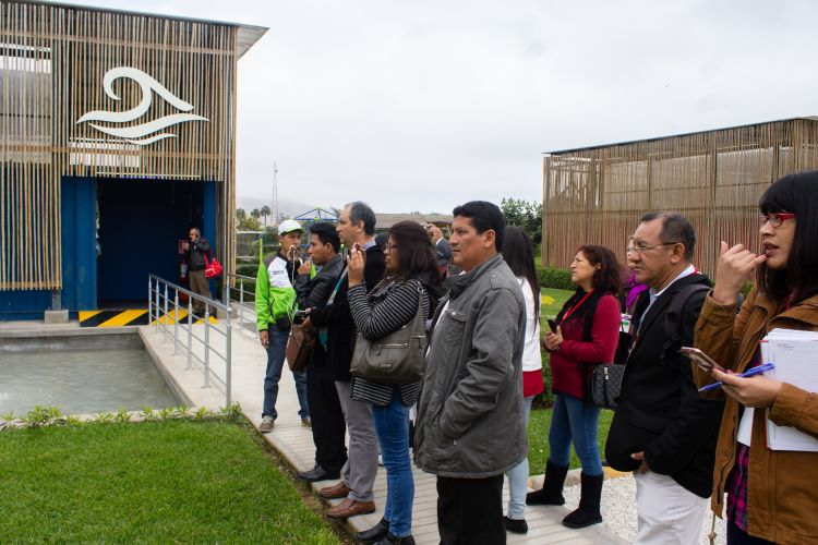 "Journalists participants of the workshop visit the ""Voices for Climate"" Park in Lima"